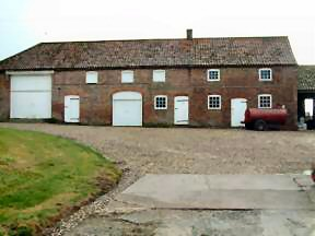 Cottam House stable block 2005 - Kb jpg